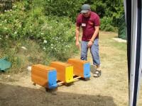 Demonstration zur Orientierung der Bienen mit drei Zargen