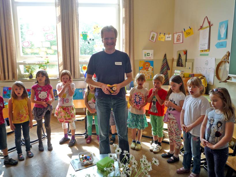 Schulimker Reinhold in der Klasse 1b Gangolfgrundschule