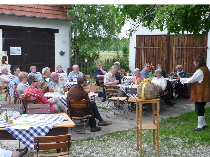 """Gäste """"An einem Mürsbacher Sommerabend"""" im Goldenen Adler"""