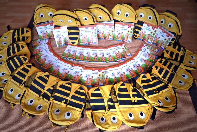 Mehrfachexemplare der Schulbienenbücher
