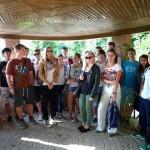 Klasse 10 des Dientzenhofer Gymnasiums Bamberg mit Lehrerin Lana Löser im Tempelchen