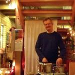 Reinhold überwacht die Honiggetränke