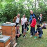 Verabschiedung von Bienen-AG und Übergabe an Imker Hartmann