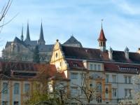 Blick vom Schiffbauplatz zur Michaelskirche und Stadtarchiv