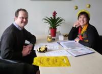 Bienenpate Jan Schiffers im Gespräch mit Ilona Munique