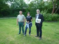 """Brendel, Munique, Neuberth am künftigen Standort """"Bienen-InfoWabe"""" auf Erba-Insel"""
