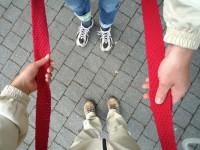 rotes Band für Zusammenschluss Museen am Domberg