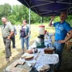 Kuchenstand zur Einweihungsfeier des neuen IBZV-Lehrbienenstands Burgebrach