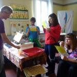 Honigverkostung mit Hilfe des Armomarades