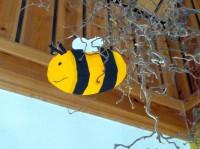 Bienen-Dekoration in der Kita St. Oswald, Baunach