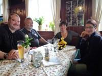 Mittagspause im Gasthof Heerlein mit Gästen