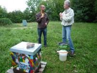 """Besuch des Bienenstandortes """"Berggebiet/Sternwarte"""" mit neuem Bienenpaten Daniel Schiller"""