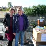 Bienenpatin Conny Kopp mit Dieter besuchen unseren Stand