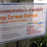 Bienenpatenschild von Carmen Dechant (Foto: Jürgen Dicker)