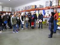 Klasse 10 der Wirtschaftsschule Bamberg in der Verkaufshalle der HEG