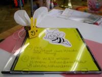Judith Endres bereitete die Schüler mit Medien auf den Bienenunterricht vor