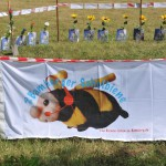 1MO_7594-Spatenstich-Bienen-InfoWabe