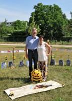Reinhold Burger und Ilona Munique, Initiatoren der Bienen-InfoWabe, Spatenstich