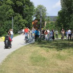 Die ersten Gäste trudeln ein im Erba-Park zum Spatenstich der Bienen-InfoWabe