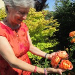 Gabriele Loskarn erfreut sich an Rosen