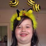 Jessica im Bienenlook