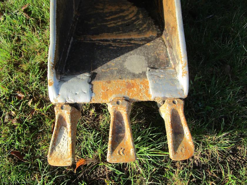 kleine Baggerschaufel für Bau Bienen-InfoWabe