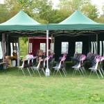 Das Festzelt mit Garderobe ist präpariert für unsere werten Gäste