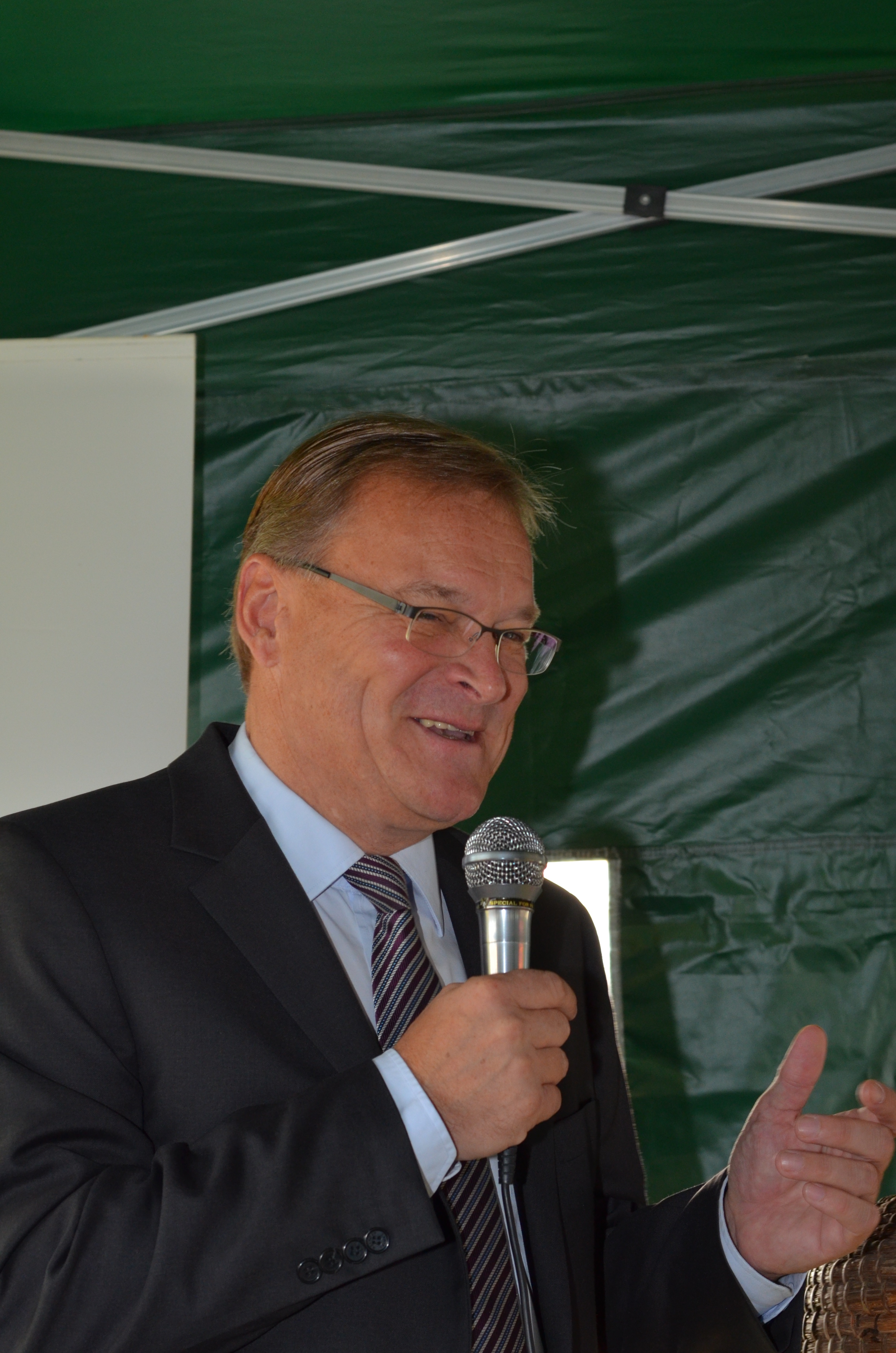 Festansprache / Grußworte von Oberbürgermeister Andreas Starke zur Eröffnung der Bienen-InfoWabe am 20.09.2015