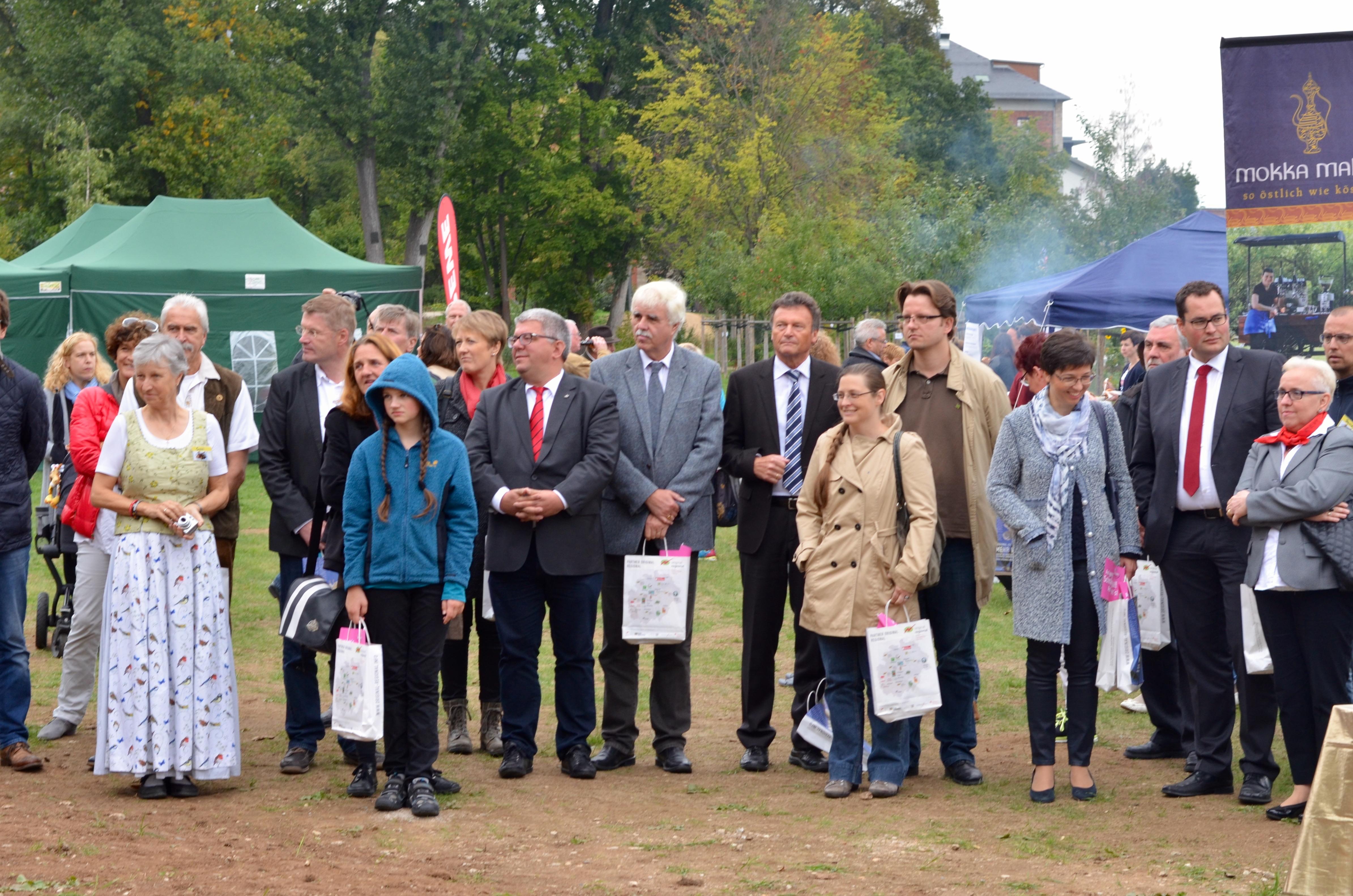 Festtagsgäste zur Weihe der Bienen-InfoWabe Bamberg am 20.09.2015