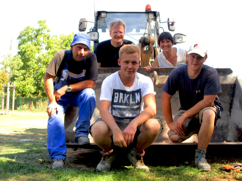 Gruppenbild mit Raab-Bauleuten und Initiatoren BLIB