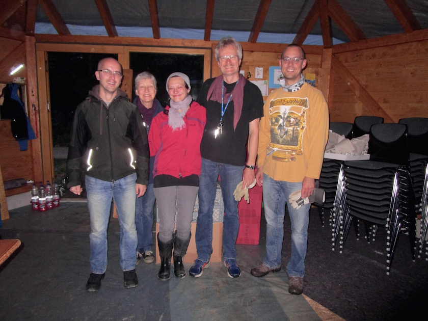 6 Uhr Beginn für die Frühschicht unser Helfer/innen: Stefan Wehr, Gabriele Loskarn, Manuela Wehr, Reinhold Burger und Daniel Schiller