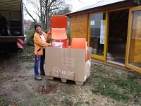 Stuhlanlieferung für Bienen-InfoWabe