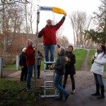 Hartmut Held enthüllt ehrenhalber den Bienenweg in Bamberg