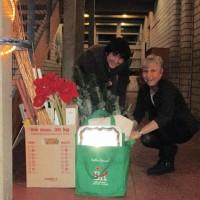 Dreamteam Gabi und Ilona beim Einräumen