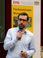 Dr. Andreas Schierling vom Bienengesundheitsdienst Bayern