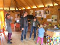 Allererste Besucher zum Programmstart der Bienen-InfoWabe (BIWa) 2016