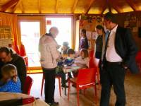 Besucher zum Programmstart der Bienen-InfoWabe (BIWa) 2016