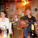 Musikalische Gesangseinlage, Thomas begleitet uns mit der Gitarre