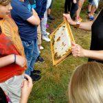 Bienenanschauungsunterricht am Lehrbienenstand im Erba-Park Bamberg
