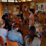 Schulbienenunterricht in der Bienen-InfoWabe Bamberg