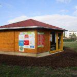 Die Bienen-InfoWabe (BIWa) am 11. März 2016 kurz vor der Saisoneröffnung an Ostern 2016