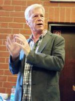 Vortragender Rolf Krebber, Imker aus Meppen