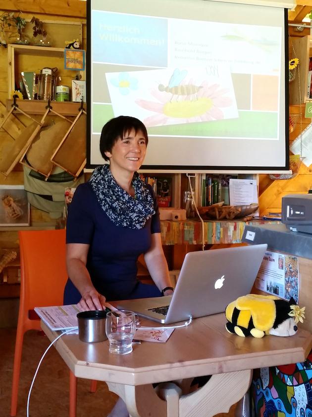 """Vortrag zu """"Biene und Didaktik der Naturwissenschaften"""" (Ilona Munique)"""