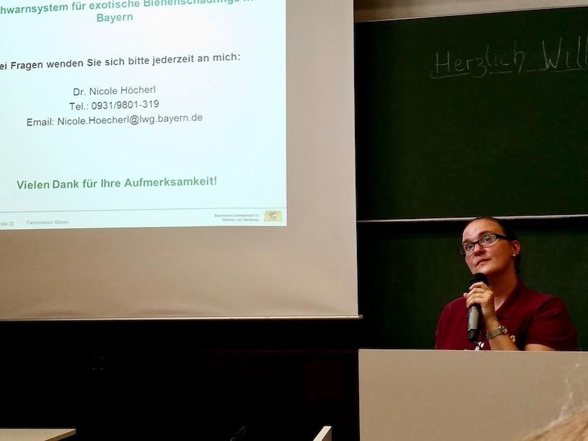 Vortrag Dr. Nicole Höcherl zu Bee Warned