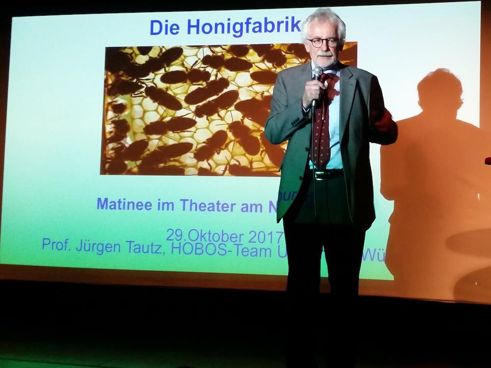 """Vortragender Prof. Dr. Jürgen Tautz """"Die Honigfabrik"""""""