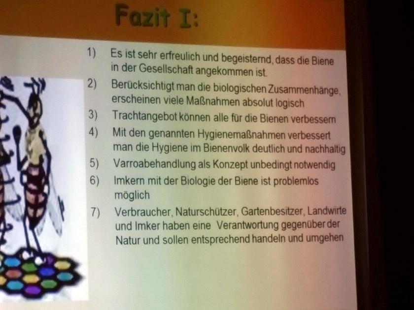 """Folie Rüdiger Wintersperger zum Vortrag """"Das Bienenvolk im Jahreszyklus"""""""