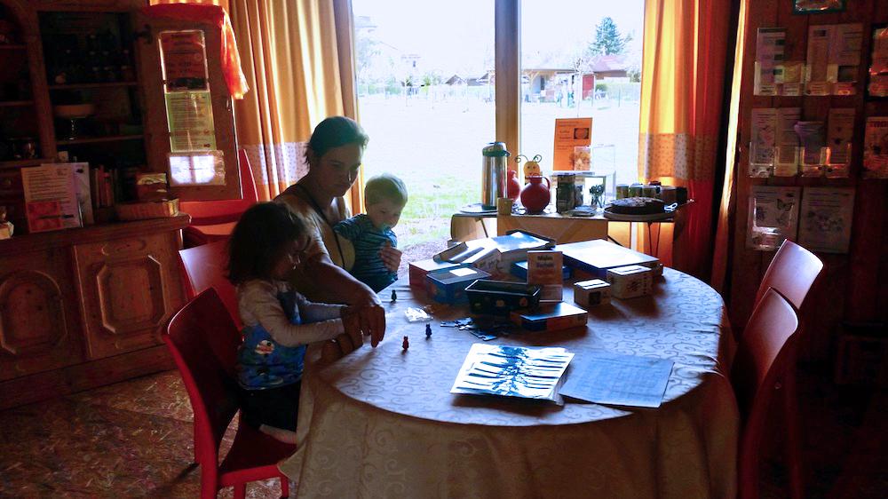 Familienzeit! Bienenspiel in der Bienen-InfoWabentagsöffnung