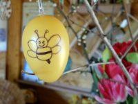 Osterei mit Biene von Anne Zirkel