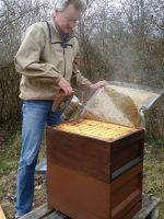 Frühjahresarbeiten der Buger-Wiesen-Völker