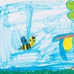 Zeichnung Biene vor blauem Himmel mit Schwarm von Sophie